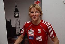 Portrait von Sabrina Filzmoser im Sportdress