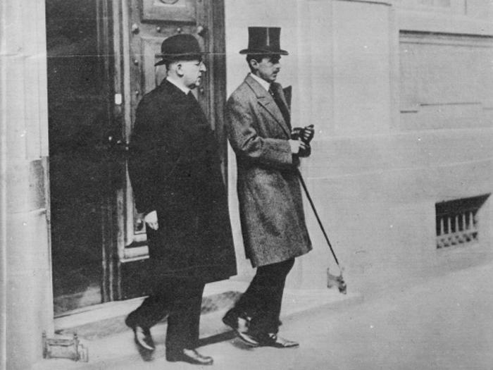 Bundeskanzler Ignaz Seipel nach Verhandlungen über die Völkerbundanleihe 1922.